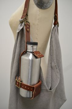 Leather Bag Pattern, Sewing Leather, Leather Craft, Holster, Bottle Bag, Water Bottle, Bag Patterns To Sew, Leather Bags Handmade, Small Leather Goods