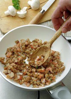 Salsa Bechamel, Pasta, Risotto, Ethnic Recipes, Food, Al Dente, Arrows, Stuffed Manicotti, Manicotti Recipe