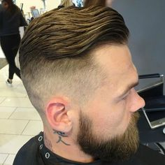 Best Men's Hairstyles for Oval Faces, Hairstyles for Oval Faces Men,Classic Pompadour Hairstyle Medium Mens Hairstyles Undercut Comb Over + Long Beard Textured Top Wavy Slick Back Hair Oval Face Men, Oval Faces, Long Faces, Oval Face Hairstyles, Side Swept Hairstyles, Hairstyles Haircuts, Cool Mens Haircuts, Cool Hairstyles For Men, Barber Haircuts