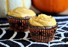 Dark Chocolate Cupcakes with Pumpkin Buttercream1