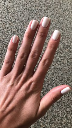 Semi-permanent varnish, false nails, patches: which manicure to choose? - My Nails Nude Nails, White Nails, Acrylic Nails, Milky Nails, Nagel Gel, Manicure And Pedicure, Natural Nails, Wedding Nails, Nails Inspiration
