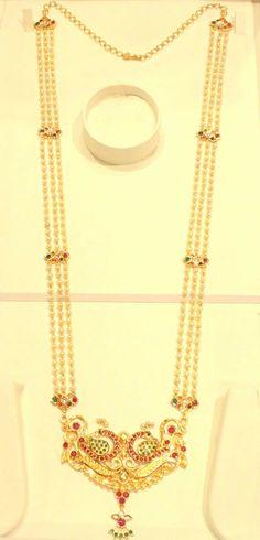 Beaded Jewelry Designs, Gold Earrings Designs, Gold Jewellery Design, Gold Drop Earrings, Gold Necklace, Gold Designs, Real Gold Jewelry, Gold Jewelry Simple, Pearl Jewelry