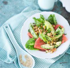 Wassermelonen-Avocado-Salat mit Kichererbsen-Croûtons - [ESSEN UND TRINKEN]