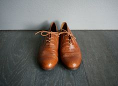 Vintage LEATHER 9West Oxford Wingtip Lace Up by heightofvintage