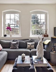 Gorgeous eclectic style—London home of British artist, Rory Dobner❣ elles.es