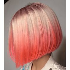 Just see here our hottest ideas of pink hair colors with shinning shades to show off in this year. Pretty pink hair colors are best and inspiring hair color for all the ladies who wanna make them look bold and modern with best hair colors nowadays. Bold Hair Color, Gorgeous Hair Color, Ombre Hair Color, Hair Colors, Bold Colors, Cheveux Oranges, Pastel Hair, Hair Trends, Hair Inspiration