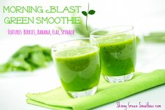 Awesome morning berry green smoothie for your waistline! #greensmoothie #berry #smoothie #greenjuice