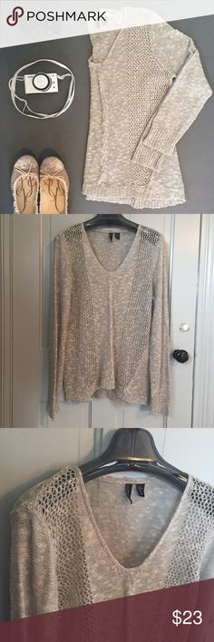 Cynthia Rowley o p e n knit sweater Cynthia Rowley open knit lightweight sweater. Light grey/oatmeal color. Would look awesome with a white cami underneath. V neck. In excellent condition. 64% acrylic 15% linen 12% cotton 9% nylon. Size XL. Check out my closet for more L/XL and 14/16 clothing. Bundles are only two items! Bundle and make a nice deal for yourself. Cynthia Rowley Sweaters V-Necks
