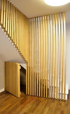 design d 39 int rieur styl avec le tableau triptyque escaliers modernes escalier. Black Bedroom Furniture Sets. Home Design Ideas