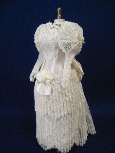 Miniature Dollhouse Wedding Dress Veil on Mannequin | eBay    This is exquisite!!!
