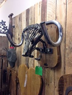 Upcycling bike parts to make trophy head
