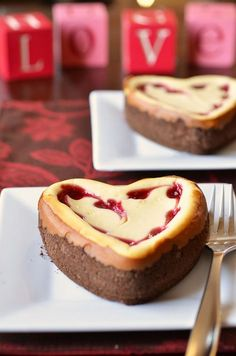 White Chocolate Raspberry Heart Cheesecake by Pennies on a Platter, via Flickr
