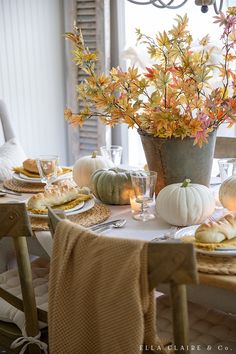 How to put together this golden yellow fall tablescape with autumn leaves and heirloom pumpkins, candlelight, and cozy touches perfect for entertaining family and friends for Thanksgiving or a special dinner. Thanksgiving Tablescapes, Thanksgiving Decorations, Seasonal Decor, Fall Home Decor, Autumn Home, Autumn Fall, Fall Table Settings, Autumn Decorating, Decorating Ideas