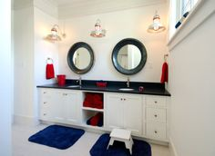 Elegant bathroom design for kids who love the nautical theme and a sense of panache