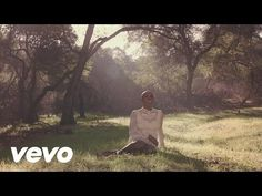 Laura Mvula's official music video for 'Green Garden'. Click to listen to Laura Mvula on Spotify: http://smarturl.it/LauraMSpotify?IQid=LauMvuGG As featured ...