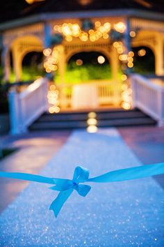 A glitter ceremony aisle runner? Yes please!