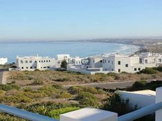 Eucharistos - Eucharistos is a neat and comfortable house in the private and secure residential area of Paradise beach, which is located next to Club Mykonos. This Greek-style house has probably some of the most stunning ... #weekendgetaways #langebaan #southafrica