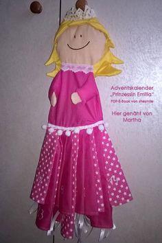 Adventskalender - Prinzessin Emilia (Nähanleitung und Schnittmuster von shesmile) Hier genäht von Martha.