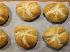 Die Wiener Kaisersemmel - Familienrezept - Wagners Kulinarium Best Bread Recipe, Bread Recipes, Bread Bun, Bagel, Hamburger, Rolls, Buns, Pizza, Party