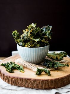 Spicy Nacho Kale Chips - Veggie and the Beast