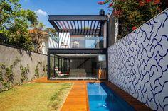 House in São Paulo | by CR2 Arquitetura