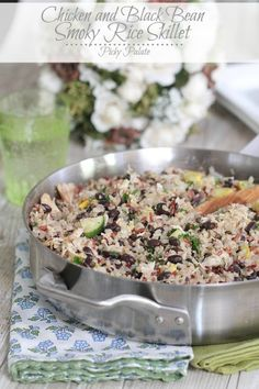 Chicken and Black Bean Smoky Rice Skillet ~ Main Dishes (dinner ideas) Rice Recipes, Chicken Recipes, Dinner Recipes, Cooking Recipes, Healthy Recipes, Skillet Recipes, Dinner Ideas, Skillet Dinners, Dinner Entrees