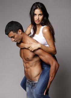 Improve your fashion quotient with some sweet discounts on FreeCultr apparel with FreeCharge.com coupons