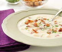 Weight Watchers Recipes, Weight Watchers Garlic Potato Soup Recipe To Help With Your Diet Plan. WW Points Plus+ 5 Garlic Potato Soup Recipe. Healthy Soup Recipes, Skinny Recipes, Ww Recipes, Low Calorie Recipes, Light Recipes, Healthy Cooking, Healthy Eating, Savoury Recipes, Cooker Recipes
