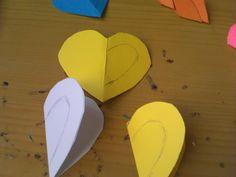 HACER CORAZONES CON CARTULINAS Coasters, Shape, Two Hearts, Garlands, Coaster