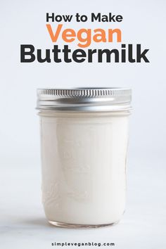 Learn how to make vegan buttermilk with just 2 ingredients in less than 2 minutes! Perfect to make all kinds of recipes, like pancakes, cakes or bread. Vegan Sauces, Vegan Dishes, Vegan Desserts, Healthy Sauces, Healthy Drinks, Dairy Free Recipes, Vegan Recipes, Gluten Free, Drink Recipes
