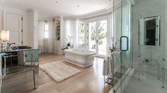 Gimnasio, cine privado y una linda vista al mar son algunas comodidades que ofrece la mansión que vendió Celine Dion.. Foto 5 de 10