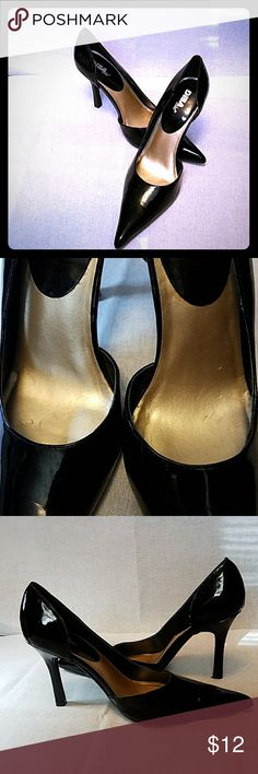 """Diba Black Patent Silettos Pointy Toe These have never been worn. The only """"damage"""" you see is on the inside in pic 2. Otherwise perfect condition. They were bought for a photo shoot, a different pair were used. Heel is 4"""" Diba Shoes Heels"""