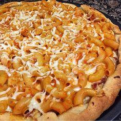 Pizza + Pasta = This #foodgasm worthy penne a la vodka pizza