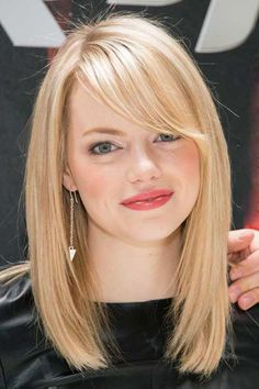 Long bob hairstyles for thick hair. Long bob hairstyles with side bangs. Long bob hairstyles for round face. Medium Hair Cuts, Medium Hair Styles, Long Hair Styles, Bangs Medium Hair, Medium Length Hair Cuts Straight, Easy Hair Cuts, Medium Curly, Medium Long, Blond Medium Length Hair
