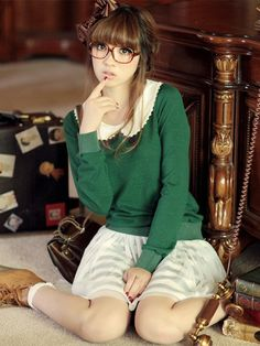 green Peter Pan collar sweater