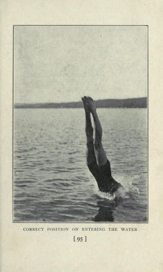 Correct position on entering the water. Old Photos, Vintage Photos, Vintage Photography, Art Photography, Aesthetic Pictures, Collage Art, Diving, Swimming, Ocean