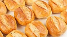 Can you spare five minutes each day? That's all it takes to have fresh-baked bread with this recipe and method. Pan Bread, Bread Baking, Telera Bread Recipe, Bread Recipes, Cooking Recipes, Mexican Bread, Pan Dulce, Dinner Rolls, Mexican Food Recipes