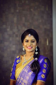 25 ideas for jewerly photography model necklaces hair Simple Indian Hair Style, Saree Hairstyles, Hairstyles Haircuts, Silk Saree Blouse Designs, Designer Blouse Patterns, Desi Wear, Work Blouse, Indian Designer Wear, Dress Collection