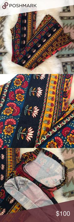 novella royals   janis bells in red ethnic ꊛ novella royale  ꊛ xs ꊛ preloved; used twice   ☾classic NR bell bottoms with elastic waist. fits better than any other! wear with super tall wedges for the longest of legs! these pants were worn twice. original hem is clean with very minimal pilling.   ꊛ × no paypal × no trades × be kind, have fun & stay lovely ო  メℴ メℴ Free People Pants Boot Cut & Flare