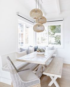 Dining Room Table Decor, Dining Nook, Dining Room Lighting, Dining Room Design, Banquette Seating In Kitchen, Home Design, Interior Design, Interior Decorating, Dining Room Inspiration
