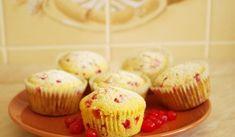 Jak na bezlepkové rybízové muffiny | recept Mini Cupcakes, Gluten Free, Desserts, Food, Diet, Glutenfree, Tailgate Desserts, Deserts, Essen