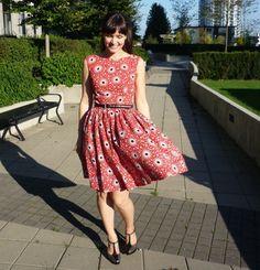 Twin Spruce Dress: Simplicity 3965 | Sewaholic with tutorials.
