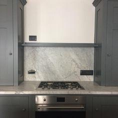 Pleasant Hill Shaker Kitchen with Carrara marble splash back #homewood #bespoke #shaker #shakerstyle #shakerkitchen #artisan #handcrafted #appliance #smeg (at Liguria, Italy)