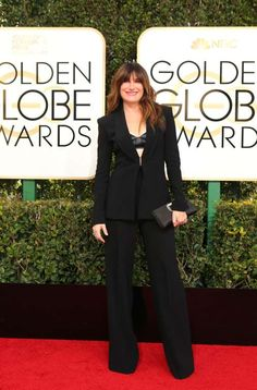 Actress Kathryn Hahn arrives at the 74th Annual Golden Globe Awards in Beverly Hills - Mike Blake/Reuters