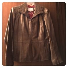 Wilsons Bronze Leather Jacket Wilsons Bronze Leather zip up lined jacket with slit pockets.  Excellent condition. Wilsons Leather Jackets & Coats