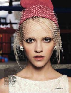 the butterfly and the bee: ginta lapina by arthur elgort for vogue russia april 2012 Winter Veil, Fall Winter, Fashion Models, Fashion Beauty, High Fashion, Winter Fashion, Ginta Lapina, Anna Dello Russo, Alfred Stieglitz