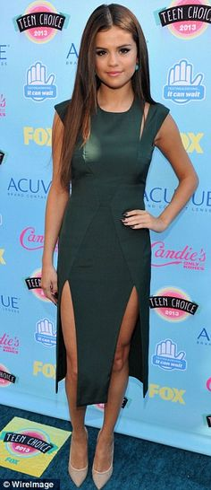 Best dressed @ 2013 Teen Choice Awards - Selena Gomez in a Cushnie et Ochs & Nicholas Kirkwood
