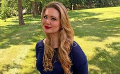 Sarah J. Maas adding to 'A Court of Thorns and Roses,' 'Throne of Glass' series