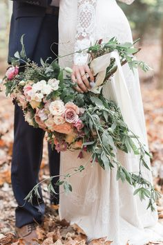 woodland wedding inspiration - photo by Carography Studios http://ruffledblog.com/georgia-woodland-wedding-inspiration