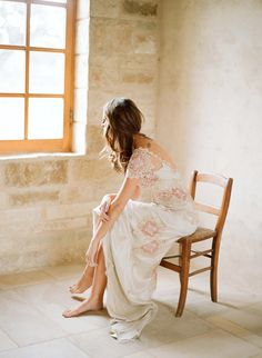 Google Image Result for http://weddinggownssquare.com/wp-content/plugins/jobber-import-articles/photos/140646-claire-pettibone-20s-style-wedding-dresses.jpg